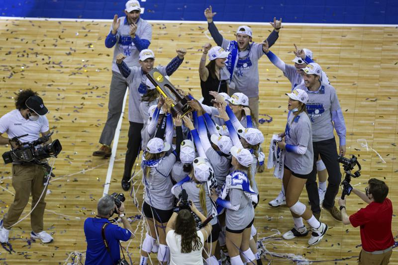 Kentucky Wins First Volleyball Title In 4 Sets Over Texas
