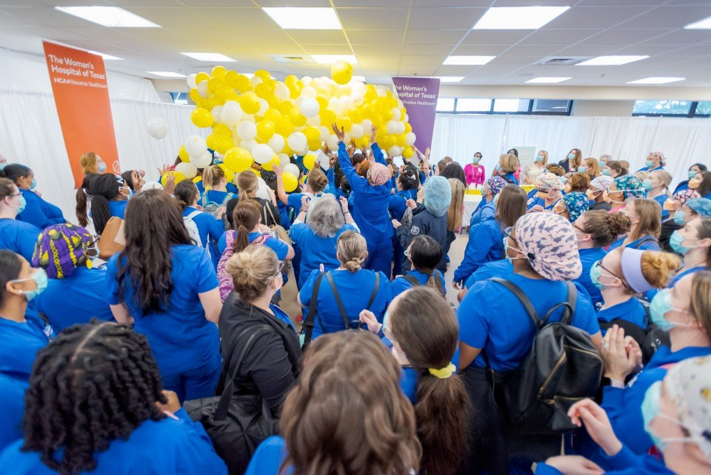 Kendra Scott Balloon Drop For The Womans Hospital Nurses