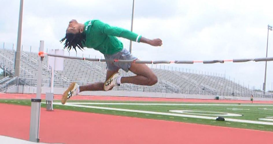 Cuero's Davyon Williams Named Athlete Of The Week