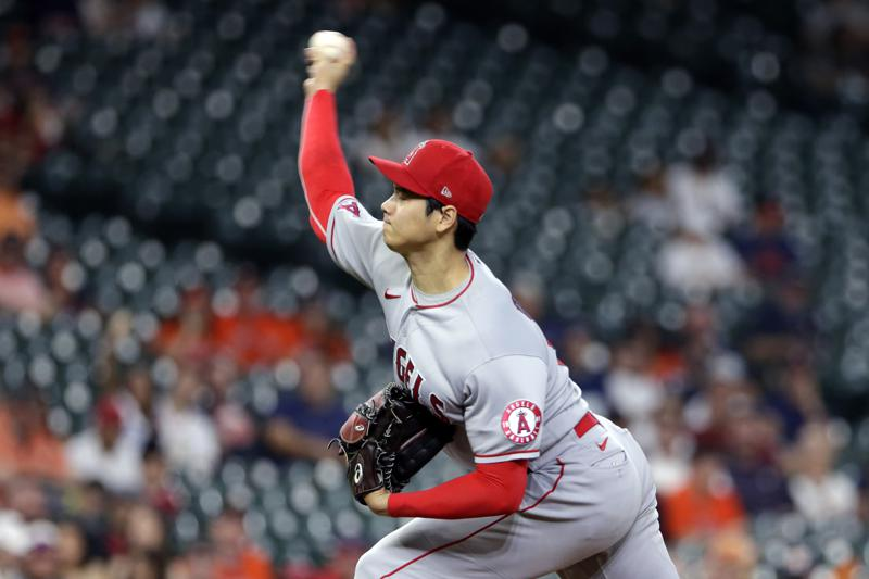 Ohtani Mccullers Duel Into Late Innings Astros Beat Angels