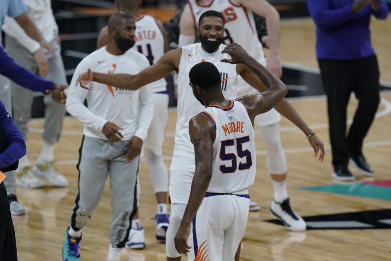 Moore Short Handed Suns Hold Off Spurs 123 121