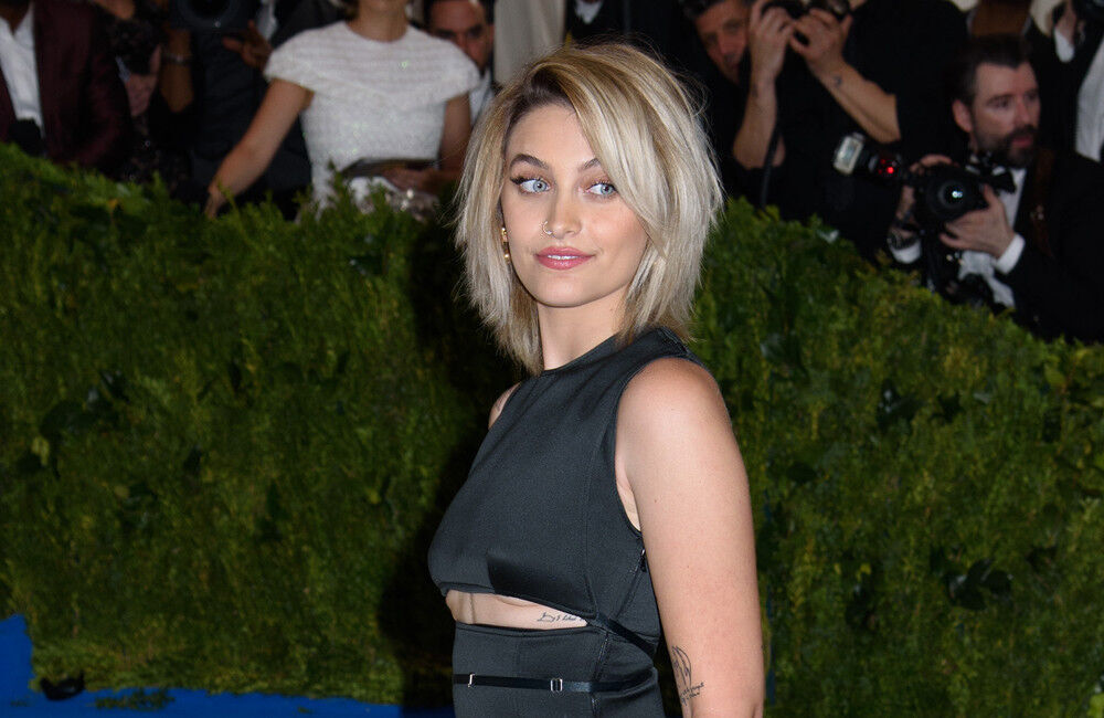 Paris Jackson Is Still Close With Family After Saying She Felt 'alone' After Coming Out