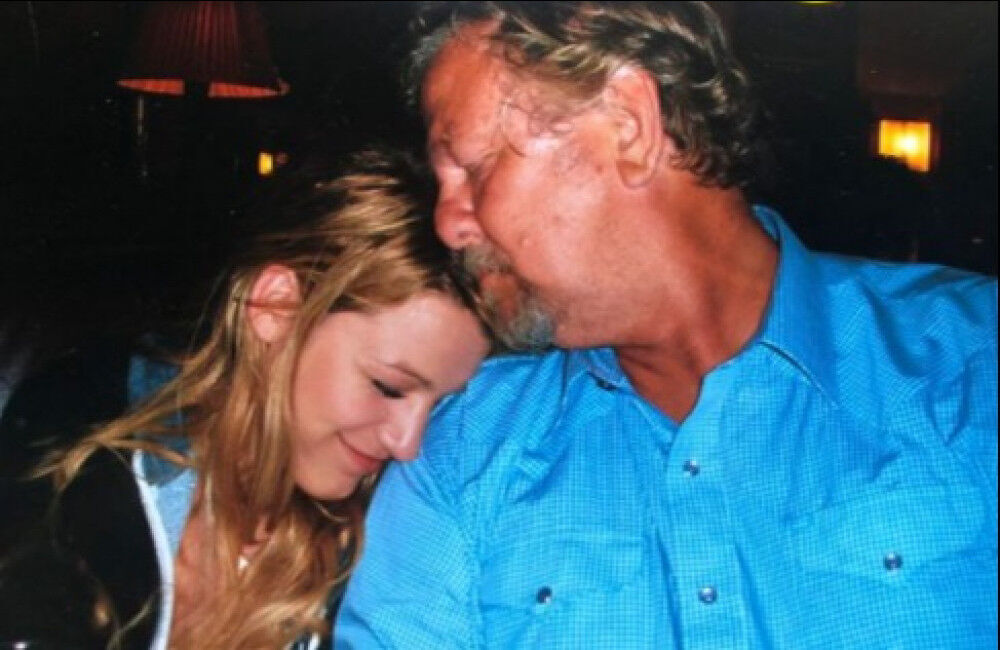 Blake Lively Pays Tribute To Late Father Ernie