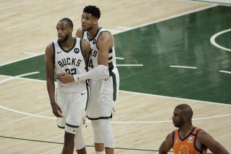 Bucks Get Confidence Boost In Win Without Giannis Scoring 40