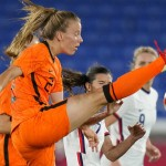 Us Women's Soccer Team Survives Shootout With Netherlands, Advances To Semifinals