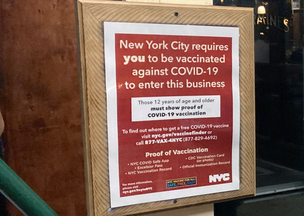 Nyc Restaurant Hostess Attacked Over Vaccine Status Request