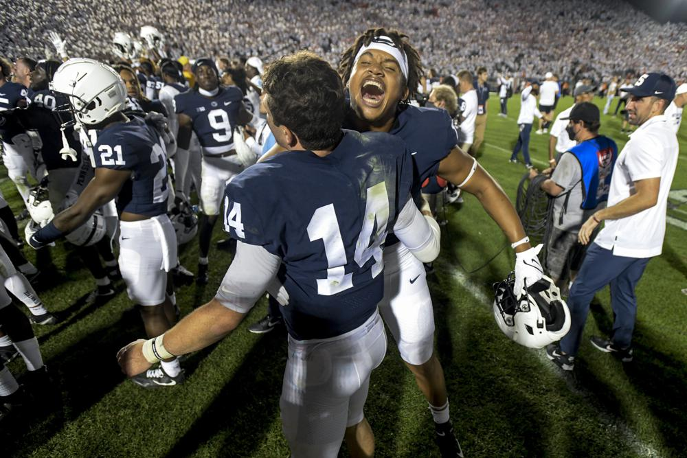 Ap Top 25 Clemson Ohio State Slip Penn State Jumps To 6th