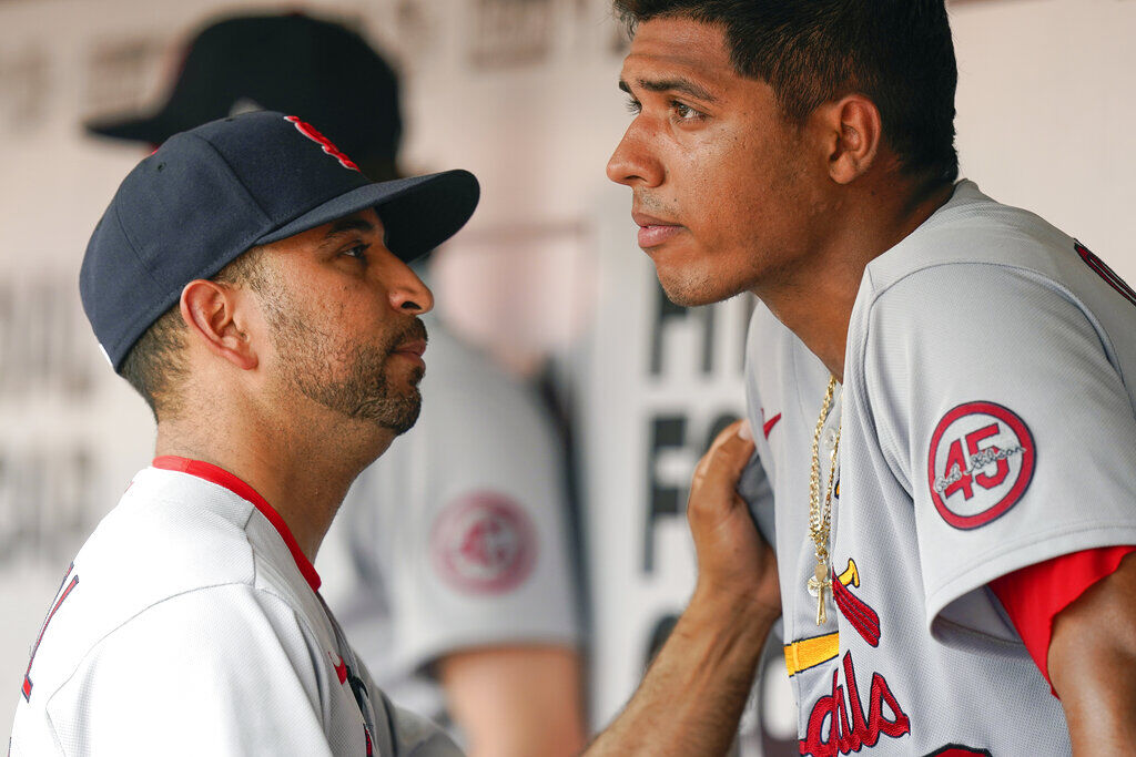 Cardinals Set To Announce Oliver Marmol As Next Manager