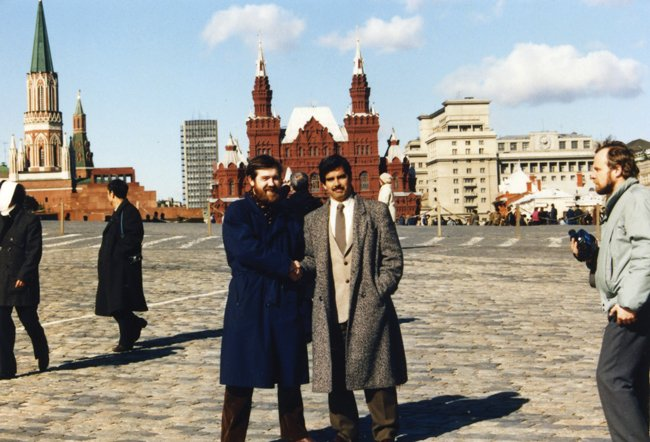 Henk Rogers and Alexey Pajitnov in Moscow in 1989. Pajitnov is the creator of Tetris, the source of much of Rogers' wealth, but it took years of hard negotiations to fully secure the worldwide rights from Pajitnov former Russian employers. Photo: Courtesy of Henk Rogers