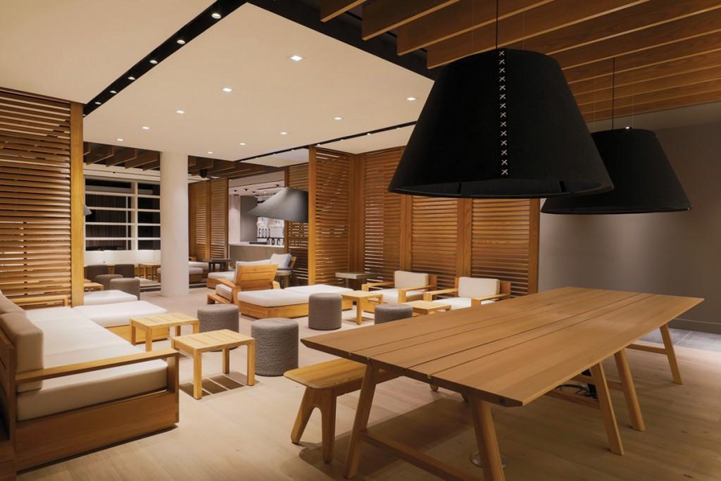 Waikiki Club Lounge by Lea Lea