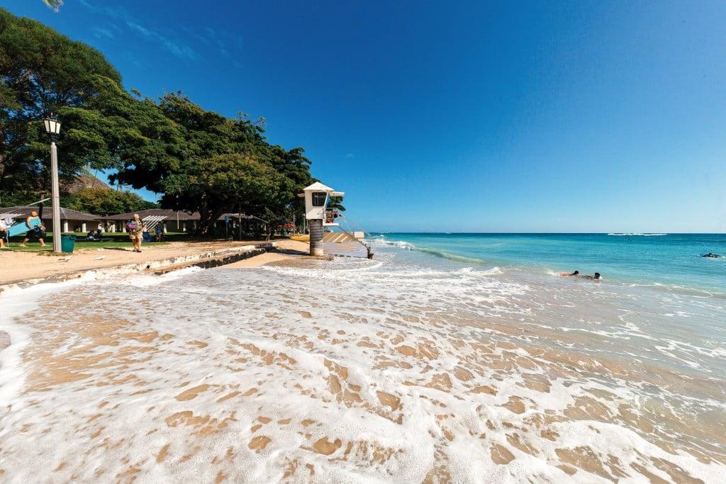 Queen's Beach in Waikiki, Hawaii