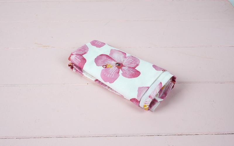 hibiscus kitchen towel