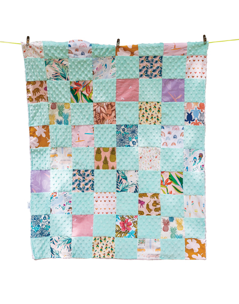Hawai'i Minky 34-inch-by-42-inch quilted blanket