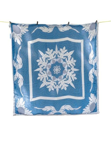 'Ulu Nani 47-inch-by-47-inch muslin quilt