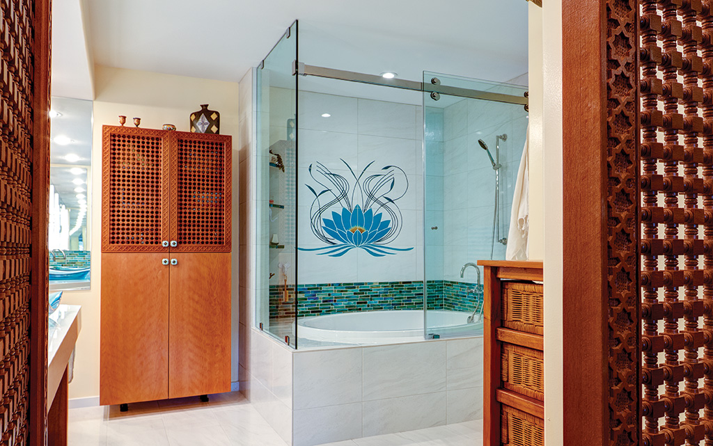 11-19 HHR Features_Bath_Moorhead_Featured