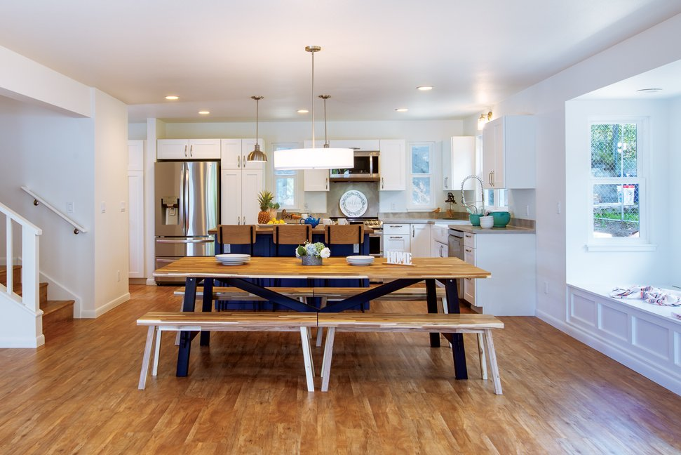 comforts-of-home-country-kitchen