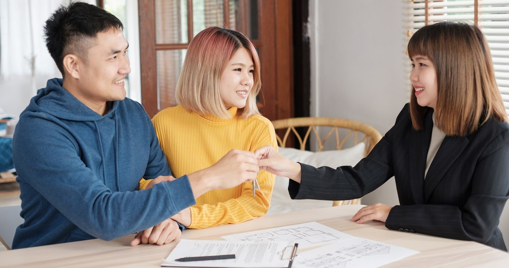 12-18 HHR Resource Guide_Mortgage&Tittle_Feature
