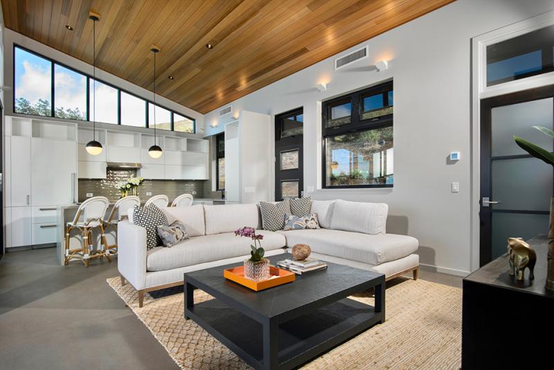 maui beach home living room