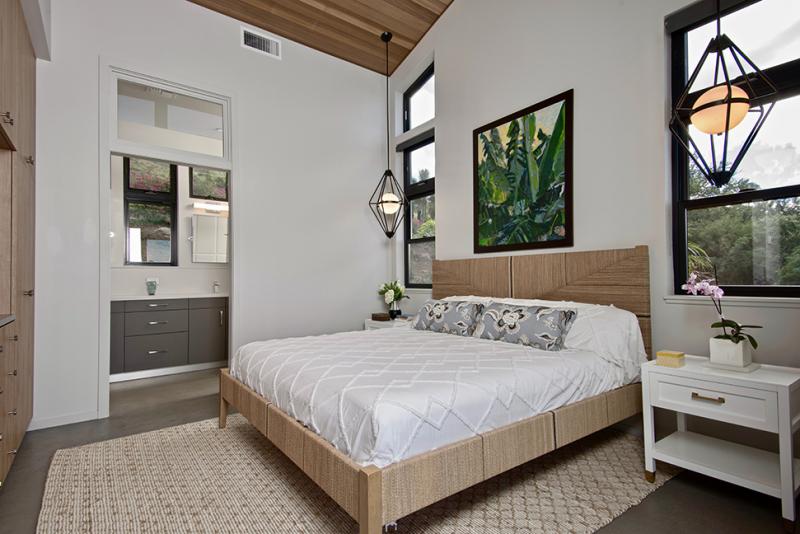 maui beach home bedroom