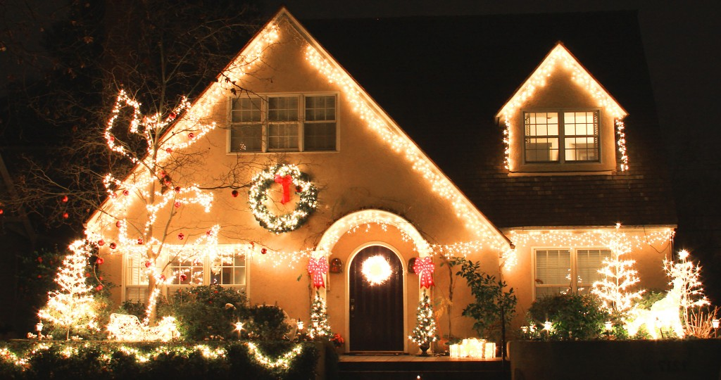Christmaslights-EJS9GettyImages-184868594