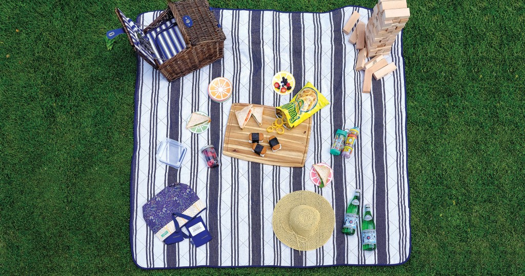 HHR-06-19-Featured-Image-Outside Picnic