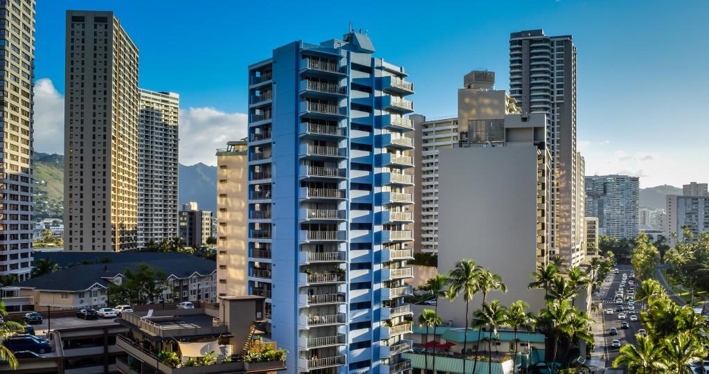 Honolulu-cityscape_Michael-Kulmar_ThinkstockPhotos-917153348