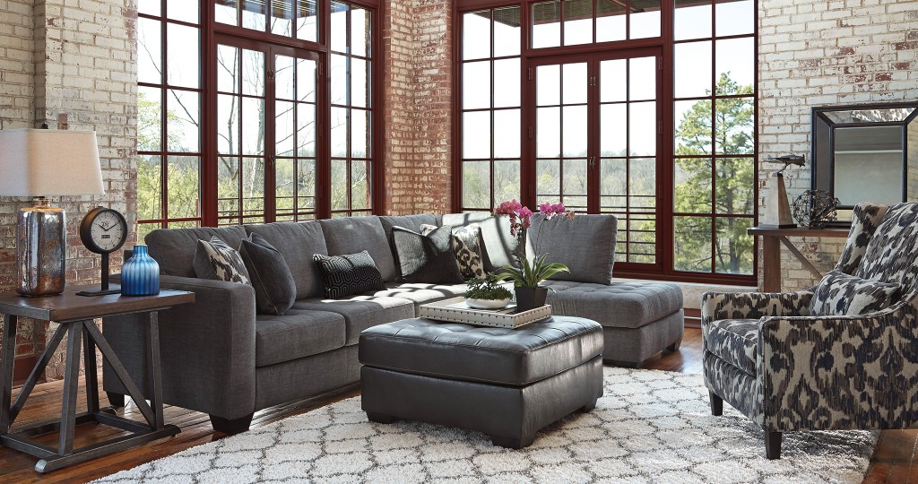 Owensbe-2-Piece-Sectional-with-Chaise