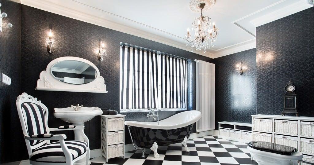 bathchandelier-hed-getty