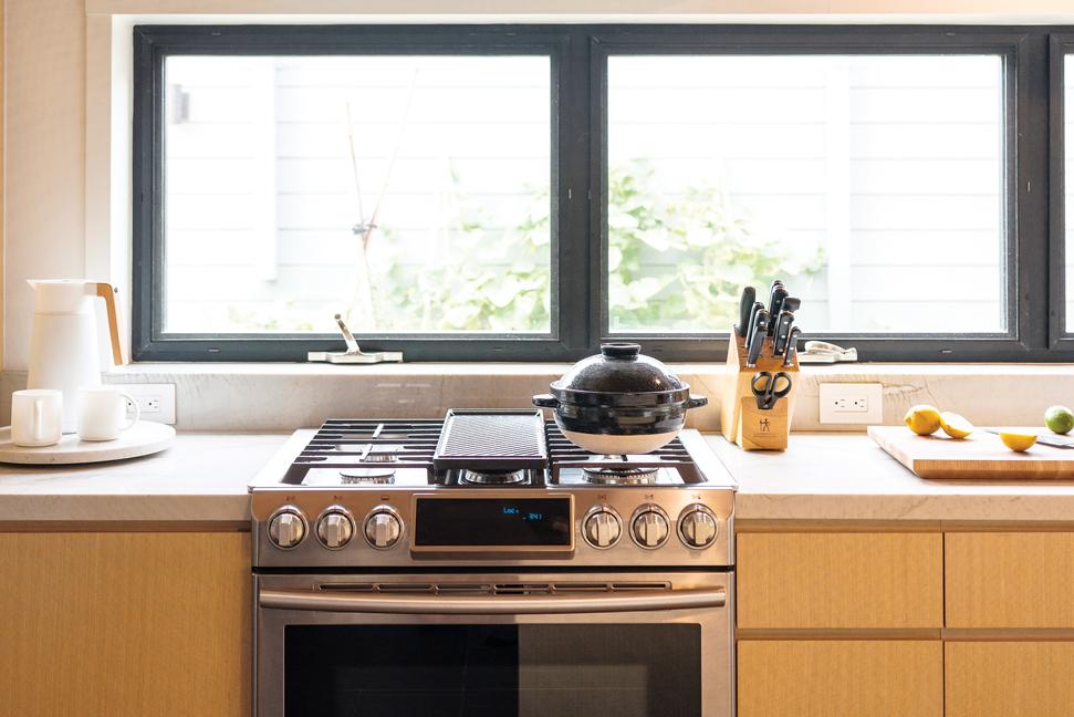 hawaii-gas-range-stove-cooking-cook-food-kitchen
