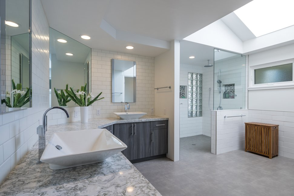 tips-safe-bathroom-aging-in-place-accessibility