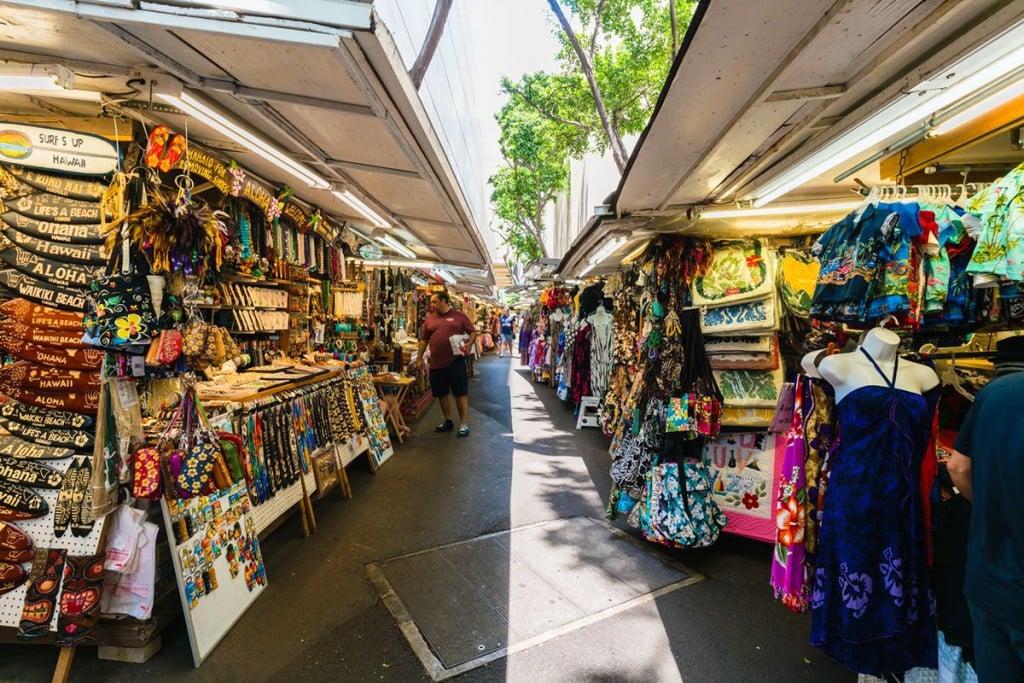 Dukeʻs Marketplace