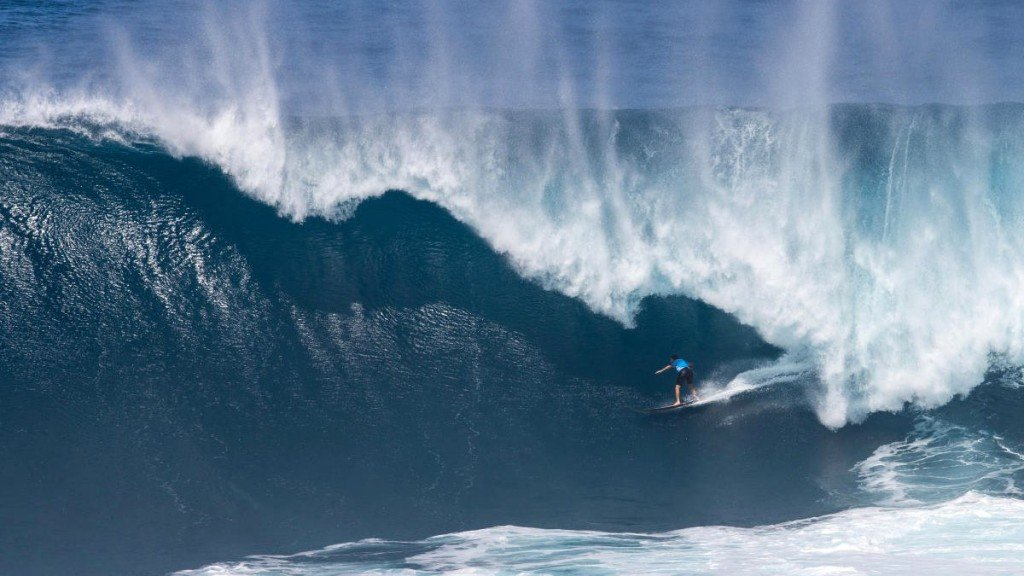 Maui's Billy Kemper wins his third Jaws Challenge title in four years.