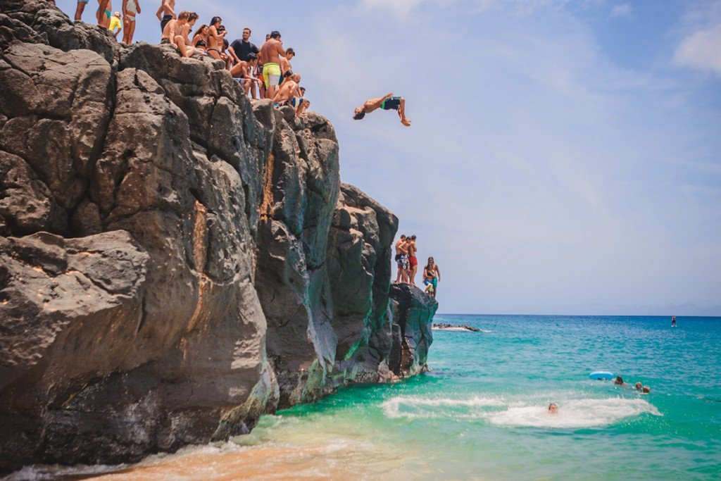 Feature_Cliffdiving_7