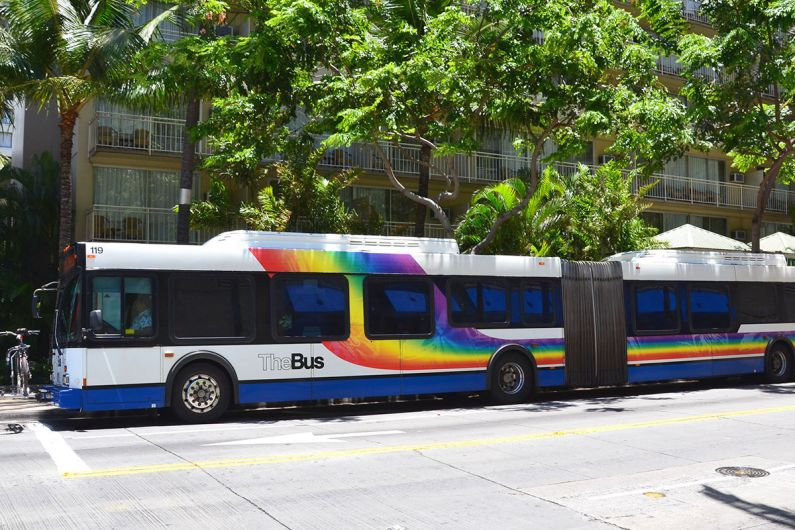 Oahu-Thebus_Simon_sees_flickr