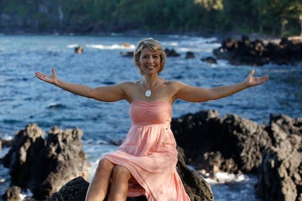The Trip 2015_Travel Channel Host Samantha Brown enjoying the Hawaiian paradise