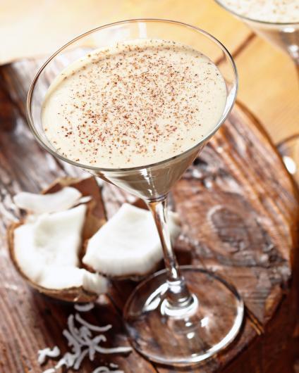 Tommy Bahama Coconut Eggnog Martini (002)