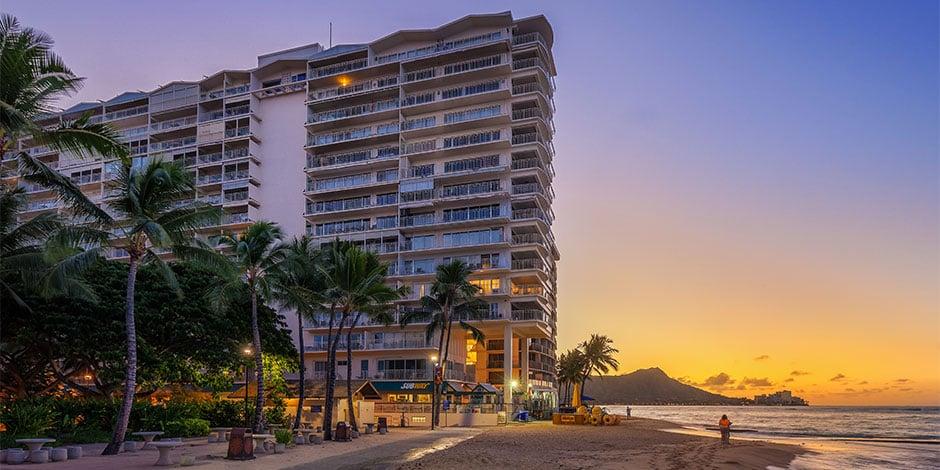 Waikiki-Shore-940x470-01-Hero
