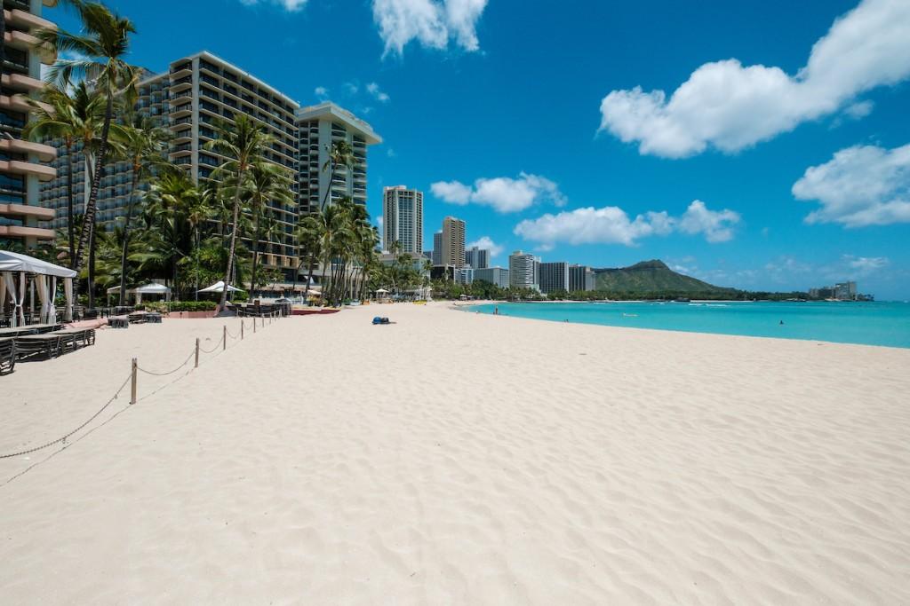 beachesreopen-AIO2004 AY Waikiki Shutdown 2316