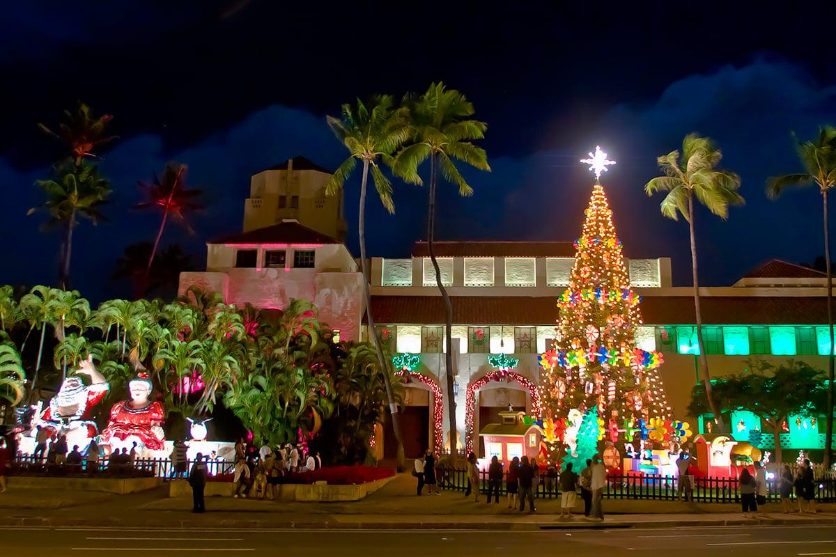 Honolulu Hale Christmas 2021 5 Tips For Seeing Oahu S Honolulu City Lights Hawaii Magazine