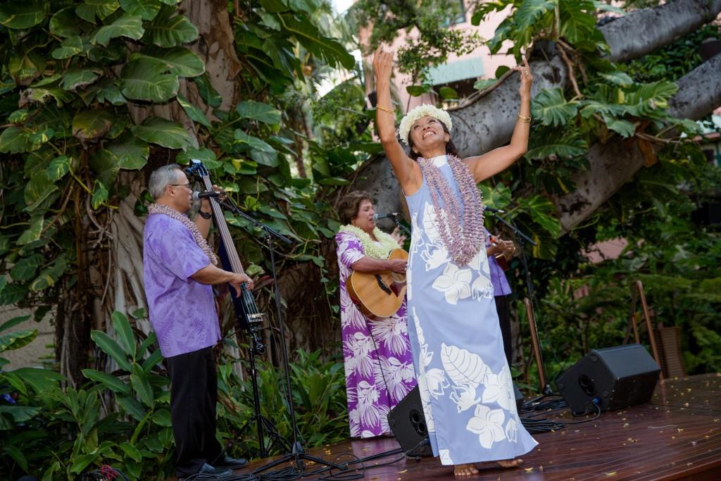 royal hawaiian center hula