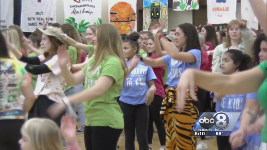 Lincolnites Dance For A Cause At Huskerthon 2020