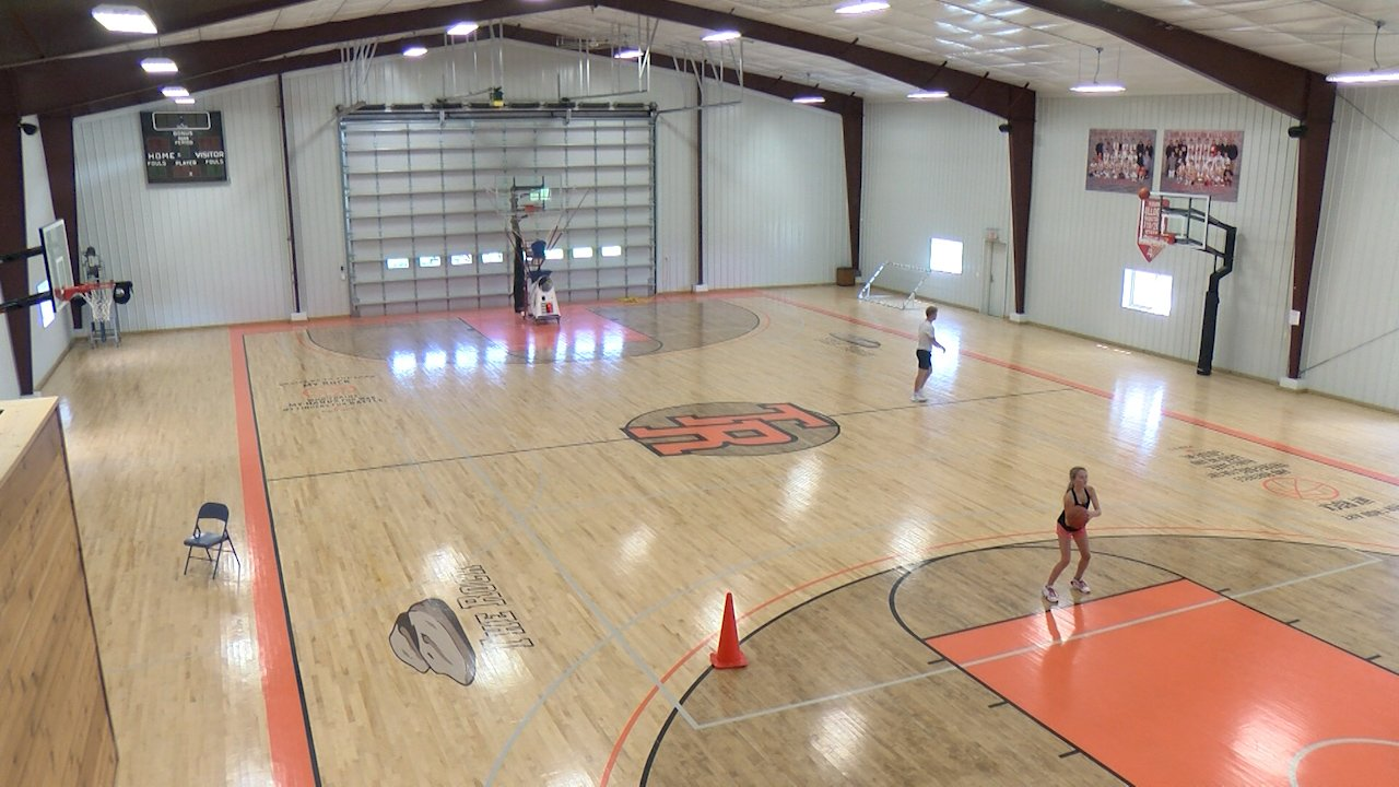 Auburn S Cam Binder Hones Basketball Skills On Family Farm Klkn Tv