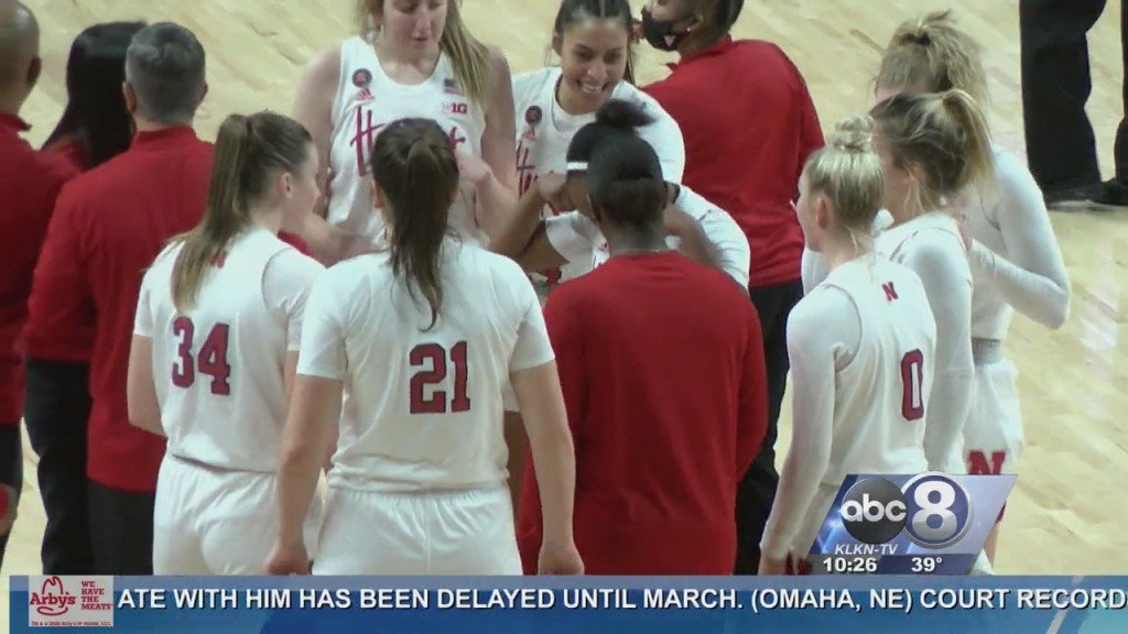 Sam Haiby Leads Nebraska Women To Win Against Illinois