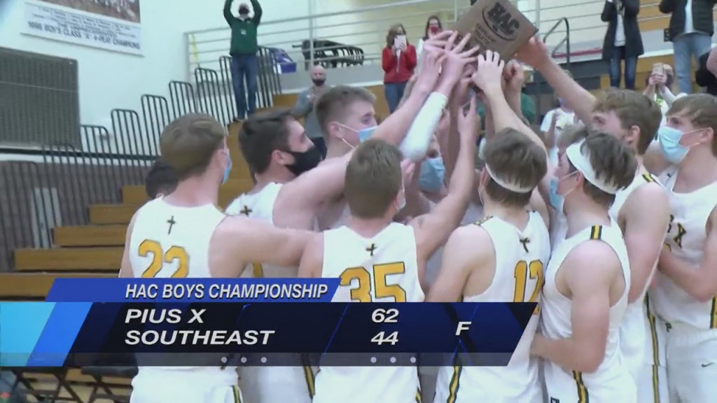 Pius Boys Basketball Wins Title