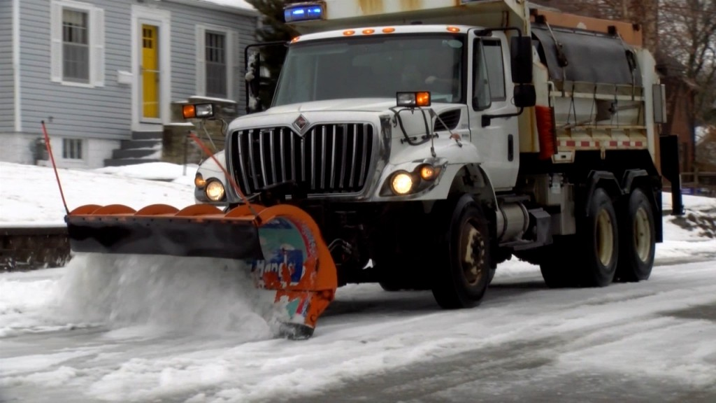 City Of Lincoln Prepares For Major Winter Storm Monday