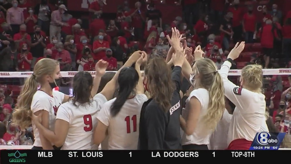 No. 10 Nebraska Volleyball Prepping For Road Match With No. 13 Penn State