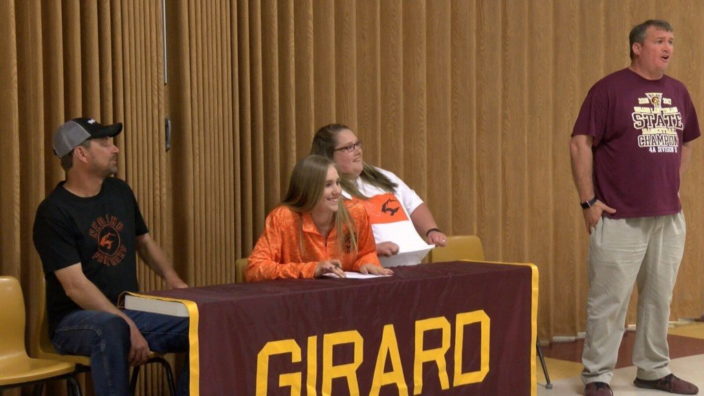 Augustin Signs at Girard HS