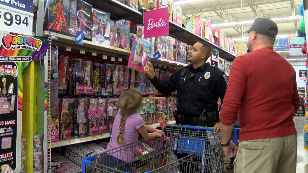 Shop with a Cop in Parsons