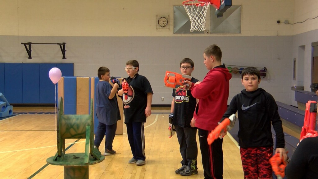Nerf war gets kids playing in Parsons, Kansas