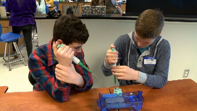Project Lead the Way Gives Carthage 8th Graders Chance to See Engineering & Bio-Medical Class Options with Labs
